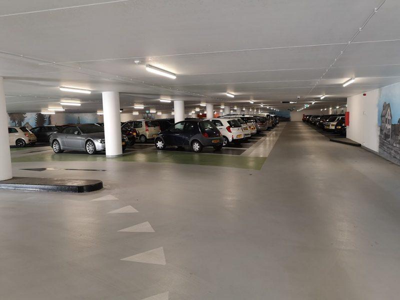 Parkeergarage station gesloten