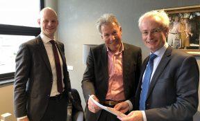 Overhandiging knelpunten rapportage aan burgemeester Hans Verheijen - Wijchen=
