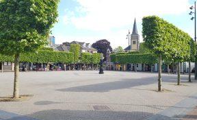 De gemeente heeft toestemming gegeven aan horecaondernemers rondom de Markt om per 1 juni een groot terras op te bouwen - Wijchen=