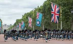 The Royal Air Force Waddington Pipes and Drums treden op in het centrum! - Wijchen=