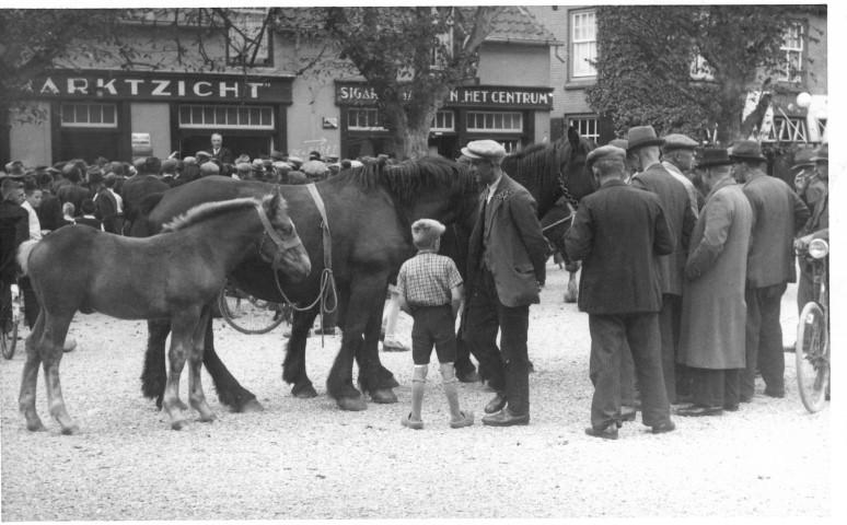 Veemarkt / Paardenmarkt
